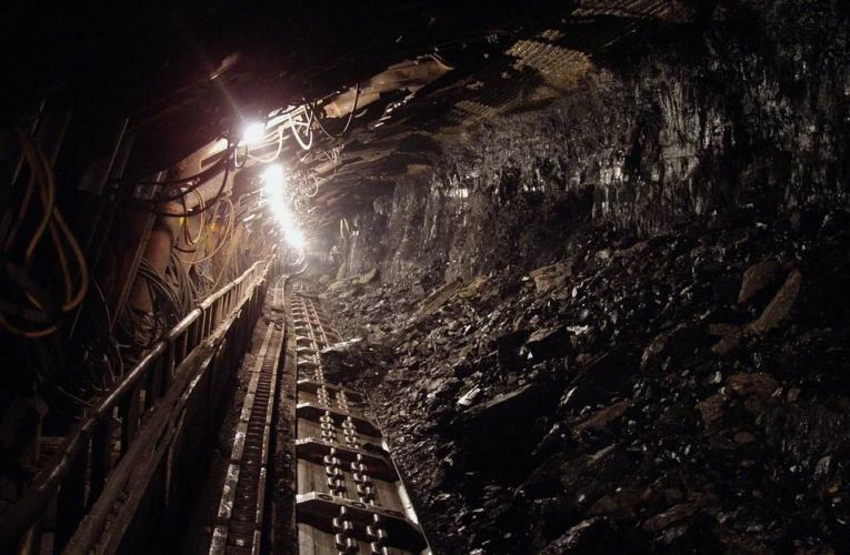 Rząd: Podjęto decyzję o wstrzymaniu pracy w 12 kopalniach