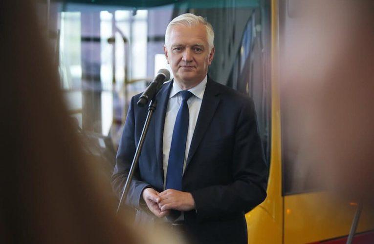 """Syn Jarosława Gowina rapuje o rządach PiS. """"Rządzi nami Zjednoczona Prawica, mnie już od tego strzela kur*ica"""""""