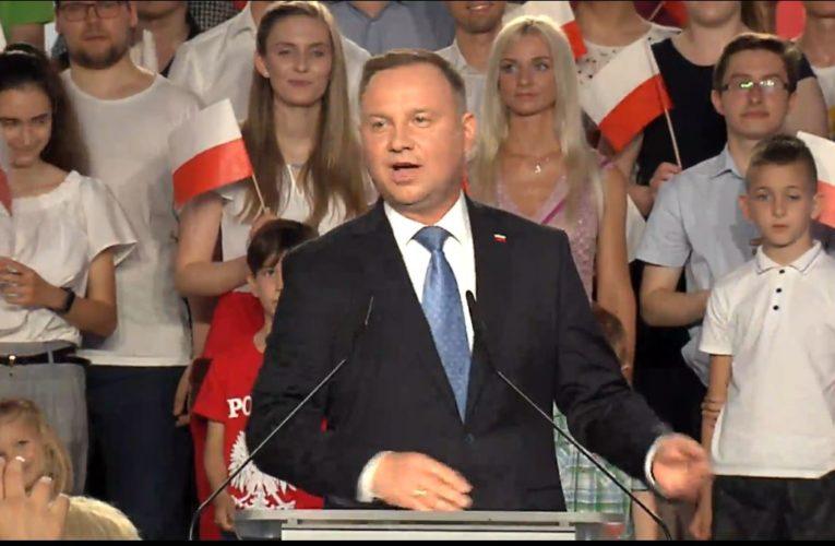 Wybory 2020. Wstępne wyniki. Pierwszą turę wygrywa Andrzej Duda