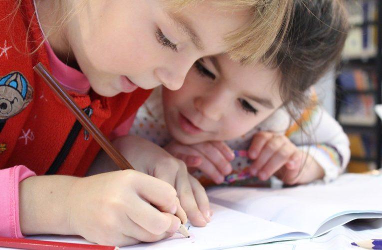 Morawiecki: Od września dzieci i młodzież wracają do szkół
