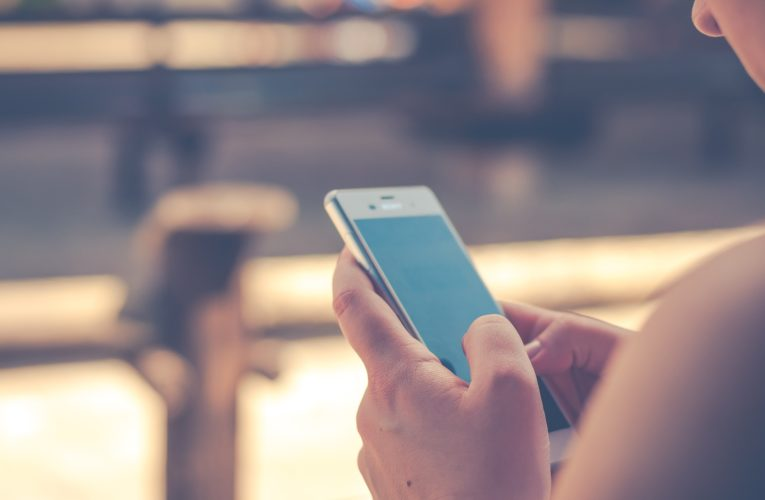 Norwegia likwiduje aplikację do śledzenia kontaktów społecznych w obliczu pandemii Covid-19. Decyzja ma związek z ochroną prywatności jej użytkowników