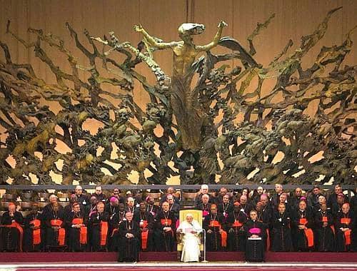 Masoneria to Reptylianie pieniądz został stworzony do kontroli społeczeństwa i ludzi. Na dolarach znajdziesz też znaki Illuminati.