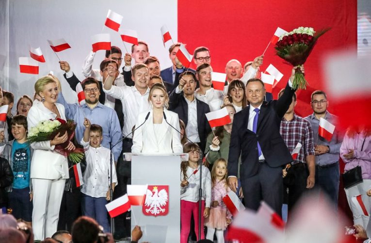 PKW podała wyniki wyborów z 99,97 proc. obwodów głosowania. Andrzej Duda z poparciem 51,21 proc.