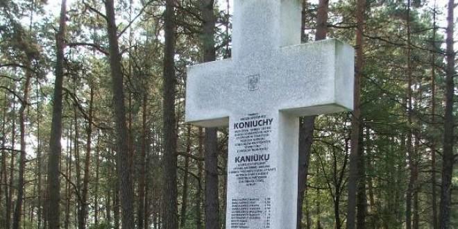 Umorzono śledztwo w sprawie zbrodni dokonanej na Polakach we wsi Koniuchy