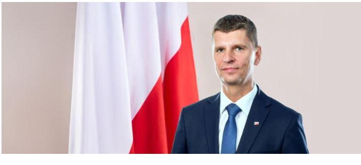 """Dariusz Piontkowski: """"Pierwszego września uczniowie wracają do szkół. A my robimy wszystko, by uczyli się w bezpiecznych warunkach"""""""