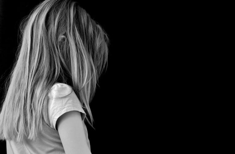 Niemcy: Nie przestrzegasz warunków izolacji? Urząd zdrowia może odebrać ci dziecko