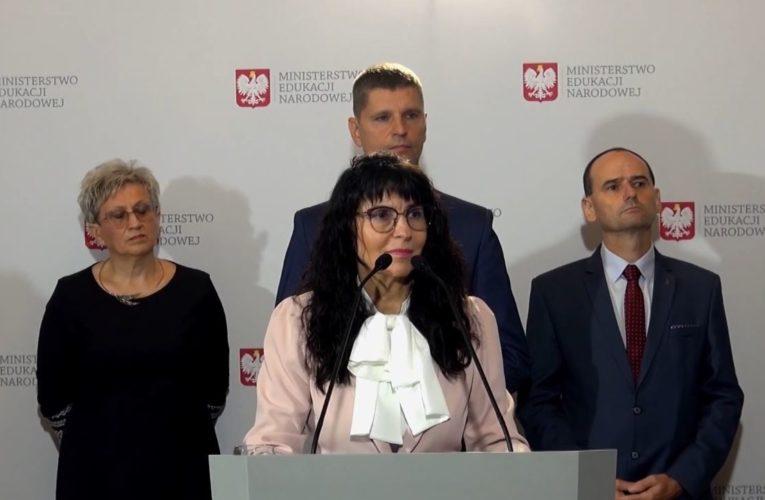 """Koronawirus w Polsce. Wicedyrektor warszawskiej podstawówki: """"Na powikłania po grypie i anginie też się czasami umiera"""""""