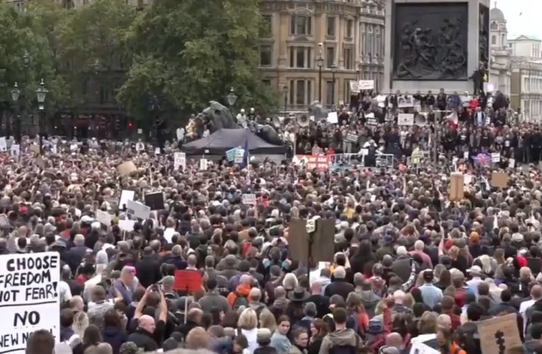Londyn: Trwa demonstracja przeciwko restrykcjom związanym z pandemią koronawirusa