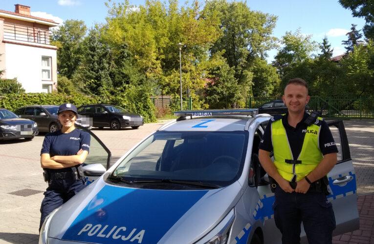 Warszawa: Policjanci eskortowali samochód z rodzącą kobietą