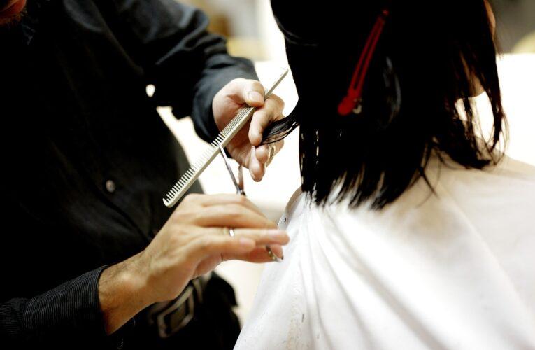 Miastko: Właściciel salonu fryzjerskiego i kosmetycznego pozwał Skarb Państwa. W czasie lockdownu nie miał środków do życia