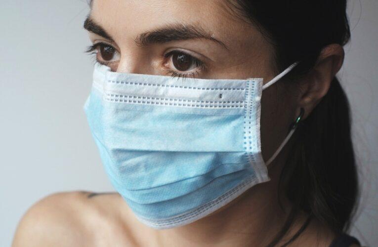 Badanie CDC wykazało, że zdecydowana większość osób zarażonych koronawirusem nosiła maski