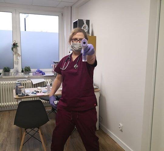 Dr n. med. Ada Rozewicz: Koledzy i koleżanki (…), ruszcie tyłki! Powinniśmy być przy naszych chorych!