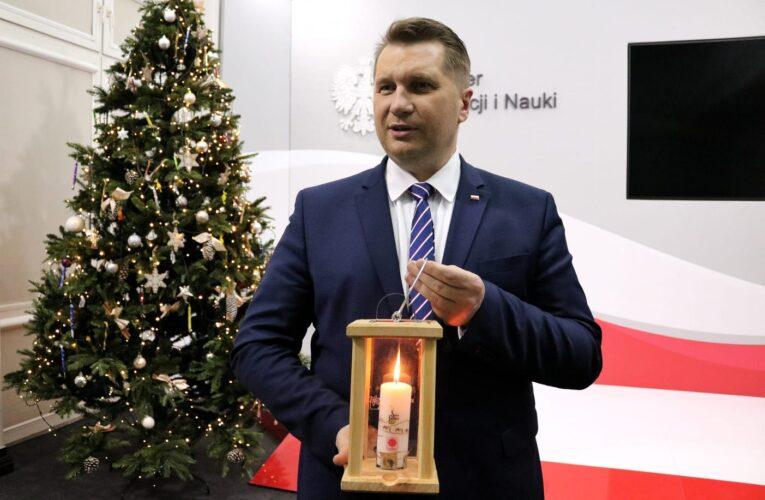 Minister Edukacji i Nauki przyjął Betlejemskie Światło Pokoju