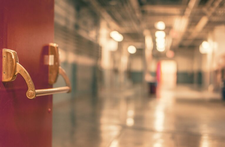 Pacjent czekał w szpitalu tak długo, aż placówka zgłosiła jego zaginięcie. RPO pyta o sprawę