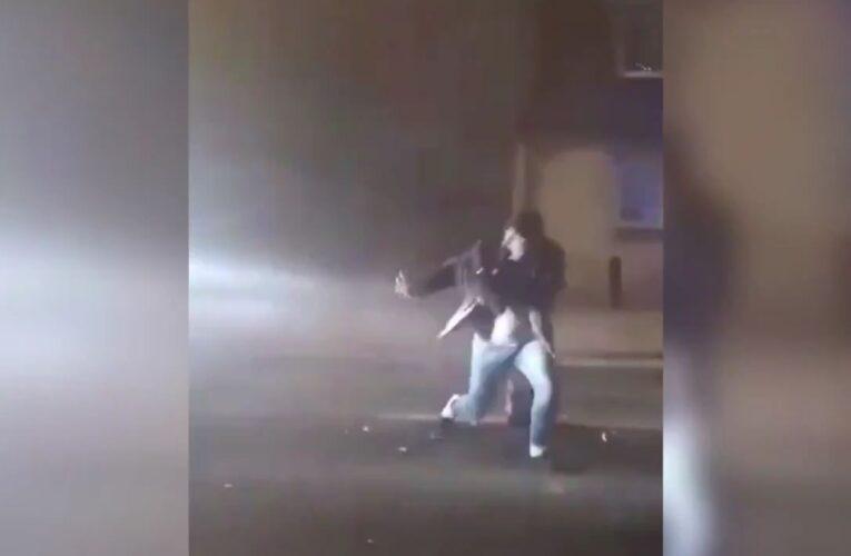 Kościan: Odpalał fajerwerki na środku ulicy. Potrącił go dostawczy samochód [WIDEO]