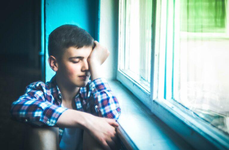 Najnowsze badanie: dla młodzieży izolacja jest gorsza niż nauka zdalna