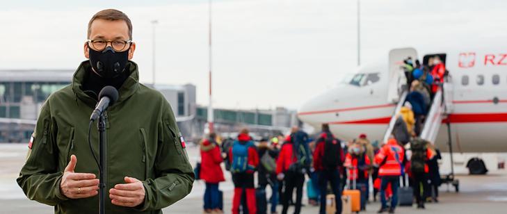Blisko 200 polskich medyków, policjantów i strażaków wesprze Słowację przy testowaniu na Covid-19