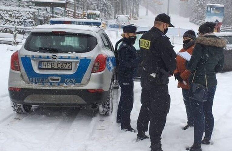 Jeleniogórscy policjanci wraz z sanepidem kontrolowali stoki narciarskie