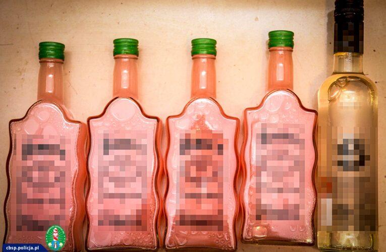 Przemycali amfetaminę w butelkach po alkoholach regionalnych