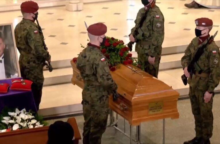 Łódź: Trwają uroczystości pogrzebowe Krzysztofa Krawczyka