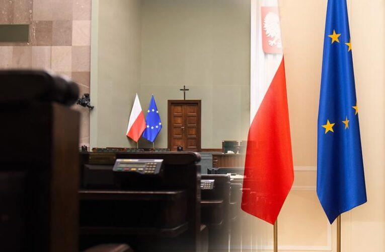 1 maja – rocznica przystąpienia Polski do Unii Europejskiej. Święto Pracy