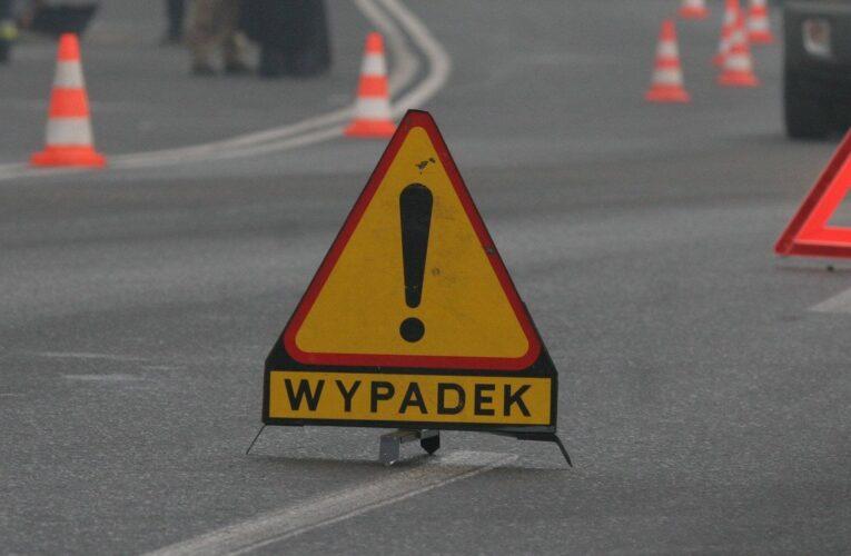 Karambol pod Wrocławiem. Nie żyją dwie osoby, kilka zostało rannych