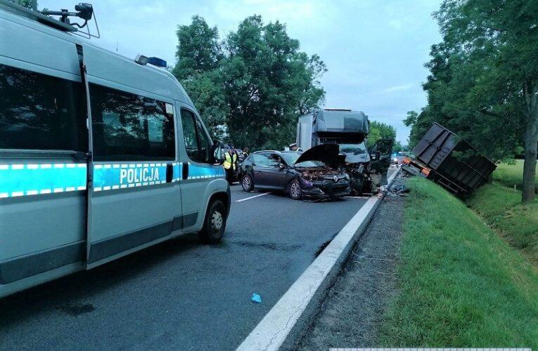 Karambol pod Wrocławiem. Zginęły dwie osoby. Policja apeluje o bezpieczną jazdę