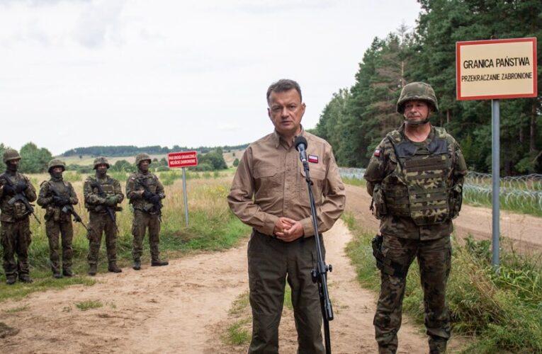 Błaszczak: Budowa płotu nagranicy zBiałorusią ruszy wtym tygodniu. Podwoimy też liczbę żołnierzy