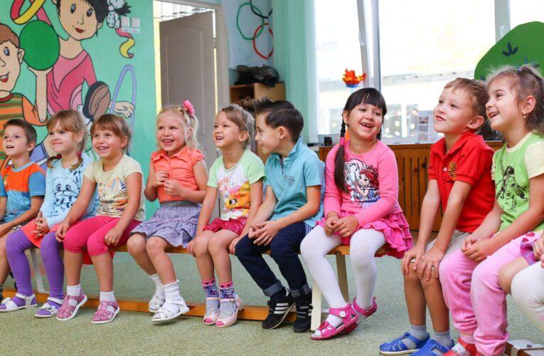Koronawirus w Polsce. Rodzice mają prawo być z dzieckiem w przedszkolu i żłobku