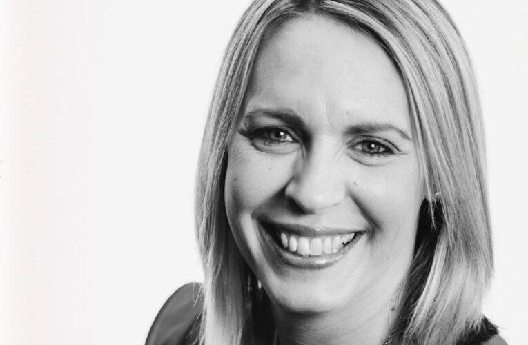 Prezenterka BBC Lisa Shaw zmarła z powodu powikłań po szczepionce AstraZeneca