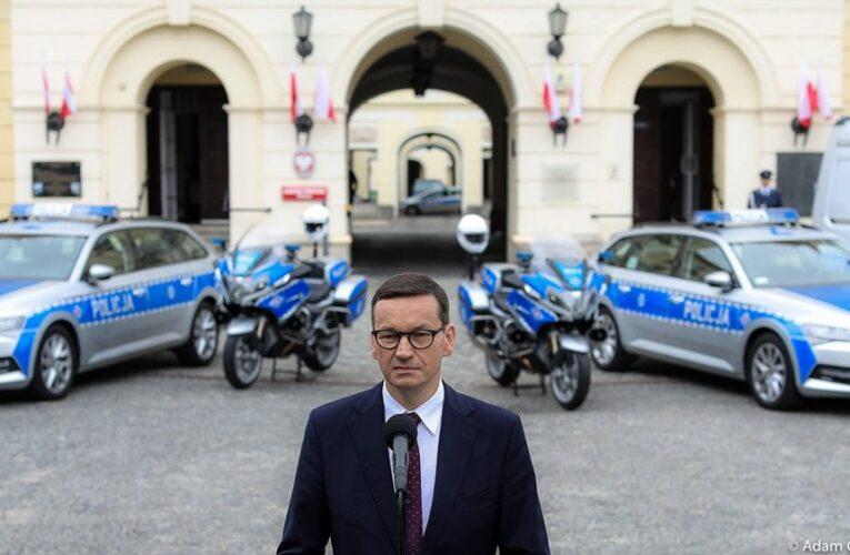 """Premier: """"Rząd przyjął nowelizację prawa o ruchu drogowym, w której zachowanie bandytów za kierownicą będzie karane bardziej surowo"""""""