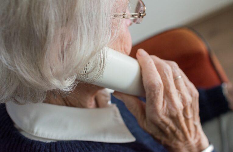 Jak możemy uchronić seniorów przed oszustami