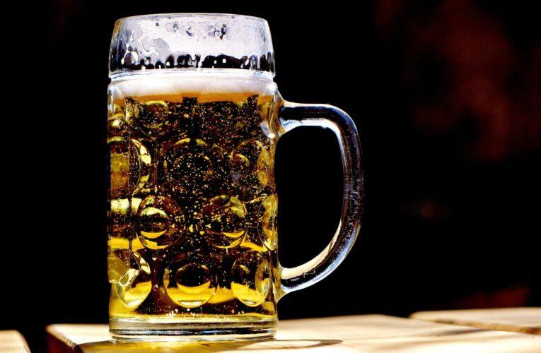 Pijany, bez uprawnień, wiózł trójkę dzieci i jeszcze bardziej pijaną żonę