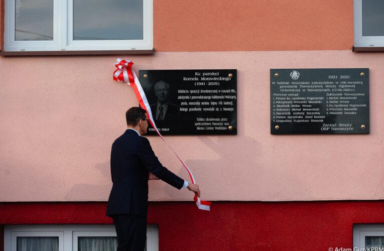 Szef rządu uczcił pamięć śp. Kornela Morawieckiego